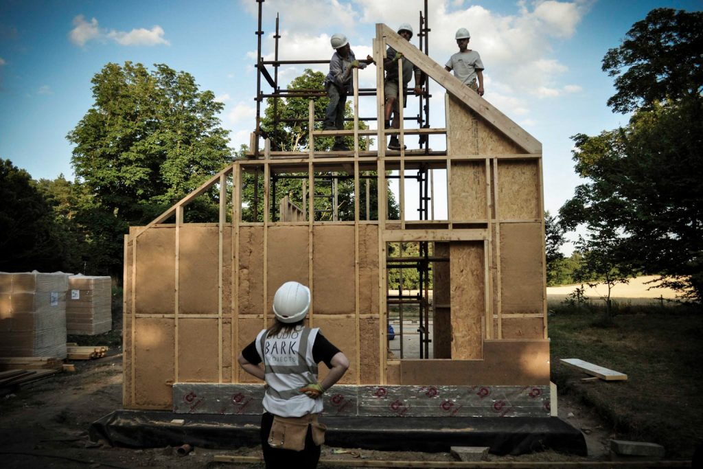 Studio_Bark_Live-Build_2015_w3d4_West_wall_rafter_tested_L